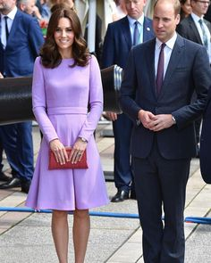 🔴🔴🔴#RoyalTourGermany 👑🇬🇧🇩🇪 . William and Catherine at Hamburg #RoyalVisitGermany 🇩🇪🇩🇪🇩🇪🇬🇧🇬🇧🇬🇧 ✨ ✨✨❤️❤️❤️💐💐💐💍💍💍👑👑👑 . #avankhsherwani#katemiddleton#duchessofcambridge#erbil#hawler#kurdistan#princewilliam#kensingtonpalace#PrinceGeorge#buckinghampalace#London#buckinghampalace#germany#berlin