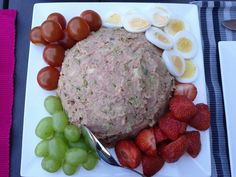 Huzarensalade - Receptidee - Lekkere recepten & culinaire ideeën Corned Beef, Barbecue, Sausage, Appetizers, Meat, Mayonaise, Food, Dressing, Lifestyle