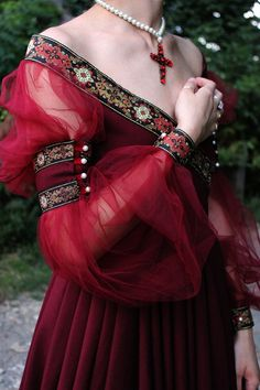 Renaissance Dress Historical Costume Italian Renaissance 16th Century Gown