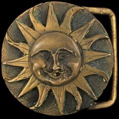 Vtg-Smiling-Sun-Face-Summer-Nature-Art-Cosmos-Cast-Solid-Bronze-Belt-Buckle