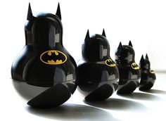 Batman Russian Nesting Doll - These masked toys combine everything you love about the classic Russian nesting dolls and the Dark Knight into an adorable set of Matryoshka dolls . Thundercats, Movies Costumes, Kitsch, Collections D'objets, Nananana Batman, I Am Batman, Batman Stuff, Kids Batman, Batmobile