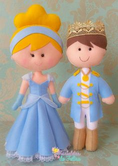 Cinderella and her Prince Puppet Crafts, Doll Crafts, Diy Doll, Felt Fabric, Fabric Dolls, Cinderella Party, Felt Decorations, Felt Christmas Ornaments, Felt Patterns