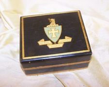 VINTAGE Sigma Chi fraternity light wood jewelry or pin box w/ crest on lid OLD
