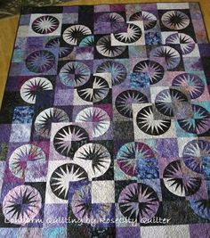 Desert Sky - I feel like mine would look something a lot like this! Paper Pieced Quilt Patterns, Applique Quilts, Quilting Projects, Quilting Designs, Black And White Quilts, Circle Quilts, Japanese Quilts, Foundation Paper Piecing, Fabric Art