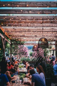 PHS Pop Up on South Street in Philly. These are our Clear globe string lights Outdoor Restaurant Patio, Outdoor Dining, Coffee Shop Design, Cafe Design, String Lights Outdoor, Globe String Lights, Restaurant Design, Pop Up Restaurant, Food Park