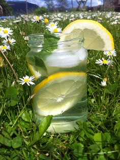 Homemade elderflower, lemon and mint infused water inspired by detox water recipes. This drink is so lovely and refreshing and perfect for summer! I recommend adding ice on an extra hot day to help cool down. Enjoy!
