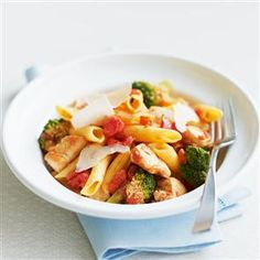 Chicken arrabbiata penne recipe. This chicken pasta dish with broccoli and tomatoes is a quick and easy dinner for any weeknight.
