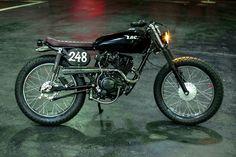 A imagem pode conter: motocicleta