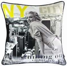 New Sexy Marilyn Monroe Standing on New York City Smile Pop Art Pillow Case Fashion Decorative Cushion Cover Sham