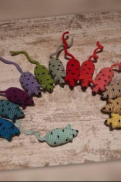 Knit Circlet Crown Free Knitting Pattern amigurumi crochet knitting amiguru Free Knitting, Knitting Patterns, Circlet, Crochet Earrings, Wordpress, Geek Stuff, Crown, Jewelry, Amigurumi