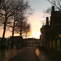 A beautiful view in a lovely place. Bruges, Belgium, My Photos, Vacation, Sunset, Places, Pictures, Photography, Beautiful