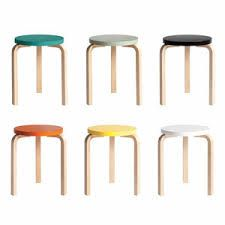 Created by legendary Finnish designer Alvar Aalto in the Stool 60 represents the pinnacle of functionalist furniture design, characterised by its revolutionary curved L-leg. Crafted from birch wood, the idea behind the Stool 60 Collection was a sim Alvar Aalto, Contemporary Design, Bar Stools, Furniture Design, Wood, Interior, Finland, Oasis, Home Decor