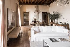〚 White, classic details and minimalism: airy home with character in Spain 〛 ◾ Photos ◾ Ideas ◾ Design #livingroom #white #sofa #interiordesign #homedecor #idea #Inspiration #cozy #living #style #space #tips #decor #interior Spanish Mansion, Living Spaces, Living Room, Cozy Living, Smart Home Technology, Austin Homes, Modern Aesthetics, Home Renovation, French Apartment