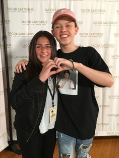 I was going to do this pose with him and then I saw everyone was doing it so, ran out of ideas and just did the casual arm over shoulder❤️ Jacob Sartorius, Magcon, Cringe, Love Him, Arm, Husband, Celebrity, Nail Art, Meet