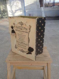 Gazetelik - magazinlik Box Bag, Paris, Elsa, Wood, Bebe, Paper Mill, Montmartre Paris, Paris France, Jelsa