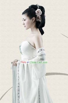 Ancient Chinese White Hanfu Clothing for Beauty