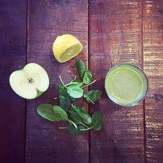Kehon puhdistuksen tueksi lasillinen luonnon omia vitamiineja, entsyymejä, kivennäisaineita ja kuituja.