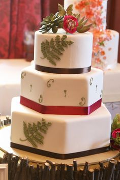 Fern + succulent inspired from The Wedding Planner & Guide's 2012 Wedding Trends Unveiled | IDoCakesByBetty.com | RedGeckoStudio.com