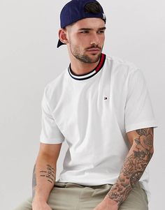 Polo Shirt Style, Boy Fashion, Mens Fashion, Tommy Hilfiger T Shirt, Future Boyfriend, Clubwear, Chef Jackets, Street Wear, Men Casual