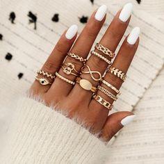 Cartier Love Bracelet, Bracelet Set, Gold Finger Rings, Triangle Ring, Evil Eye Ring, Bohemian Rings, Vintage Bohemian, Bohemian Design, Mode Boho