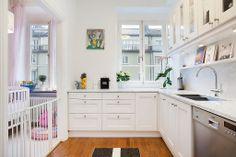 kitchen//white..