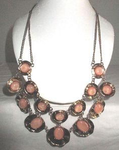 "VINTAGE 24"" PEACH GLITTER LUCITE INLAYS/DOUBLE STRAND GOLDTONE BIB NECKLACE"