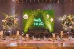 Photography: Jessie Dains Styling: Little Gray Station & Hampton Event Hire Lighting: AVIdeas Florist: Bouquet Boutique