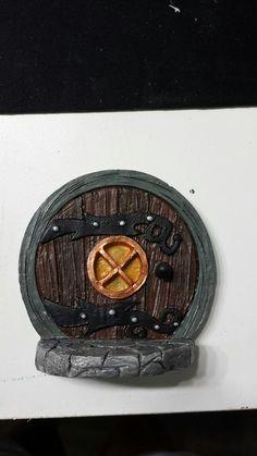 Fairy door, Hobbit door
