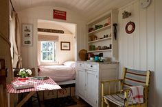 Gallery Tiny Spaces, Small Rooms, Tiny House Living, Small Living, Wooden Shack, Tin House, English Country Style, Shepherds Hut, Shed Homes