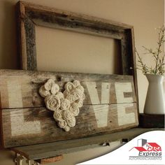 "Awesome Farmhouse Decoration Ideas - For Creative Juice DIY Fence Wood LOVE Sign. This ""LOVE"" wood sign with a flower heart is totally in the vintage and rustic style and really an addition to your farmhouse decor! Love Wood Sign, Love Signs, Diy Signs, Casas Shabby Chic, Vintage Shabby Chic, Shabby Chic Signs, Vintage Decor, Shabby Chic Wall Art, Vintage Diy"