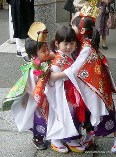 Shichi-go-san by Kimonobox, via Flickr