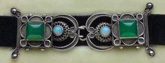 Arts & Crafts Choker 1900: silver/ chalcedony/ opal. British
