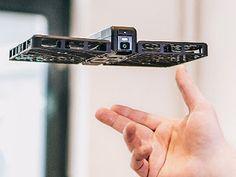 Conheça a Hover Câmera, ela voa para fazer uma boa Selfie !!!  http://www.marciacarioni.info/2016/11/conheca-hover-camera-ela-voa-para-fazer.html