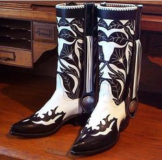 Handmade by John Allen Woodward Black and White with Conchos A variety of toe and heel styles available Order by standard size or custom made to measure Art Boots, Men's Boots, Shoe Boots, Shoes, Alligator Wallet, Alligator Boots, Custom Cowboy Boots, Western Boots, Ostrich Boots