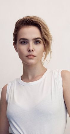Zoey Deutch photos, including production stills, premiere photos and other event photos, publicity photos, behind-the-scenes, and more.