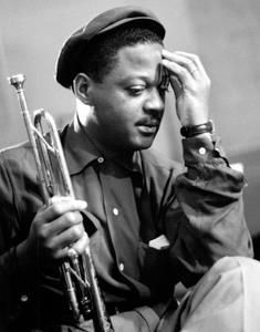 """También un día como hoy nació Clark Terry.   Clark Terry nació el 14 de diciembre de 1920 en Saint Louis, EE. UU.. Es un trompetista de Jazz Estadounidense.  """"Clark Terry es un músico excepcional que logró sintetizar a la perfección, tradición y modernidad, por cuyos meritos aun no ha sido suficientemente valorados en el mundo del jazz.""""  http://www.apoloybaco.com"""