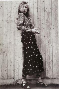 Pattie Boyd wearing fashion by Ossie Clark, 1973 Seventies Fashion, 60s And 70s Fashion, Moda Fashion, Vintage Fashion, 1969 Fashion, Hippie Fashion, Fashion Images, Fashion Models, Fashion Tips
