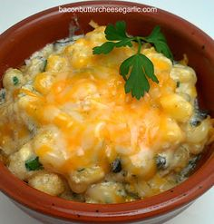 Bacon, Butter, Cheese & Garlic: Hominy Casserole- (corn and coriander for those who don't know what hominy stands for) Hominy Casserole, Casserole Recipes, Vegetable Dishes, Vegetable Recipes, Hominy Recipes, Hominy Grits, Great Recipes, Favorite Recipes, Yummy Recipes