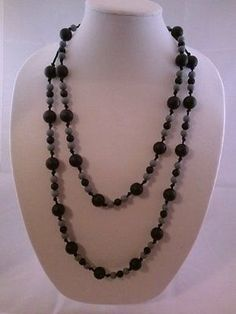 Stella Mamma chewable silicone necklace 2013 fall/winter - black and gray(no sal  This is brilliant! Definitely getting some of these when I have kids! Many other styles too.