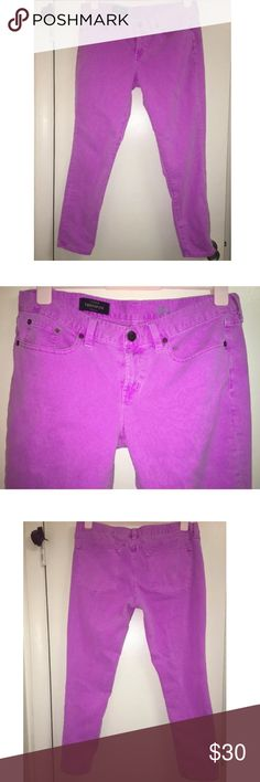 """J. CREW TOOTHPICK Orchid Dyed Twill Stretch Ankle This listing is for a pair of women'sfuchsia/purple J. Crew toothpick 32 ankle pants.  They are in pre-loved condition,withno notable signs of wear.Please refer to the pictures andscroll across thethumbnails for more angles.  They're a women's 32 ankle. The inseam is 27"""" long.   Do not miss out on these gorgeous pants! J. Crew Jeans Ankle & Cropped"""