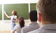 Tres profesores intentan responder a la pregunta ¿es posible otro sistema educativo en España? (iStock)