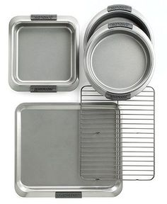 Get to baking your grandma's legendary recipe, or a creation all your own with this must-have Anolon Advanced 5 Piece Bakeware Set.