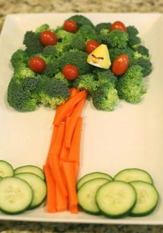 Pinterest: @cutipieanu Food Art For Kids, Toddler Meals, Kids Meals, Creative Food, Trays, Food Decoration, Fruit Decorations, Snacks Kids, Cute Snacks