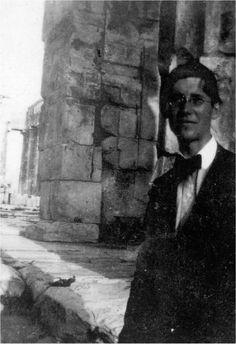 Le Corbusier... at the Acropolis.