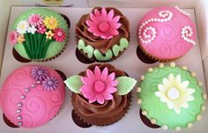 mothers day cupcakes by Cuppies n Cream