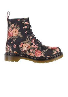 Die 79 besten Bilder von Schuhe   Fashion shoes, Loafers   slip ons ... f7ccad98ea
