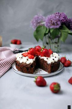 Fraeulein Meer backt Erdbeer-Schokoladen Kuchen