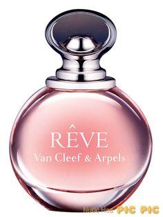 Van Cleef & Arpels Reve EDP 100ml với tông hương trái cây và hoa trắng gần giống tông hương Phương Đông. Nước hoa Van Cleef & Arpels Reve có hương thơm vô cùng sống động và phong phú như đưa bạn vào thế giới của những giấc mơ.