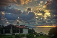 @bene_fik • #bidart #paysbasque #euskalherria #skyporn #sky #love #instalove #instatime #nature #green #sea #seascape #sunset #clouds #cloudscape #france #southwest #coast