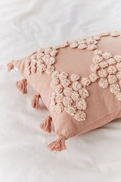 Check out the webpage to see more on window coverings bathroom Check the webpage to find out Blush Pillows, Old Pillows, Baby Pillows, Bolster Pillow, Pillow Set, Best Pillows For Sleeping, Contemporary Home Decor, Bohemian Pillows, Cotton Pillow